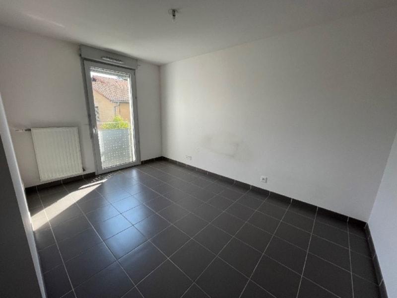 Rental apartment L union 770€ CC - Picture 5