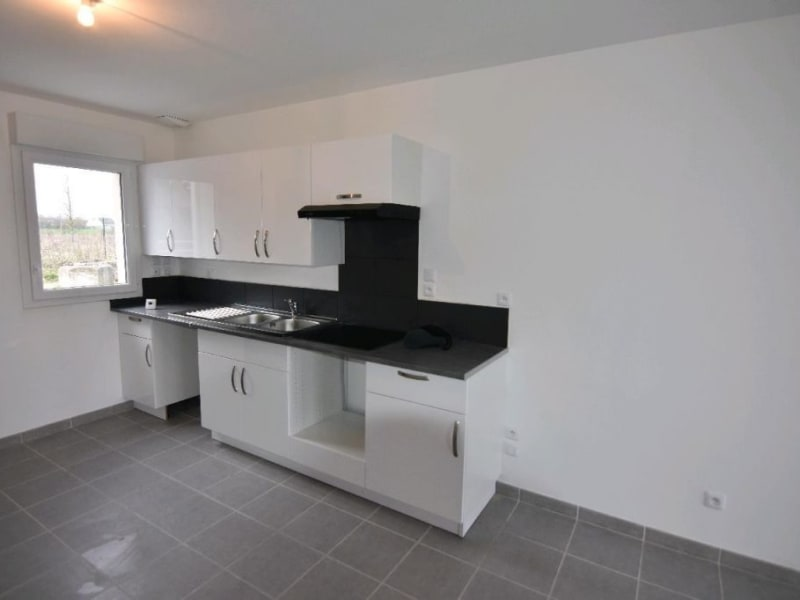 Rental house / villa Neuilly en thelle 1250€ CC - Picture 2