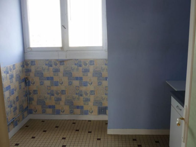 Sale apartment Lisieux 65000€ - Picture 2