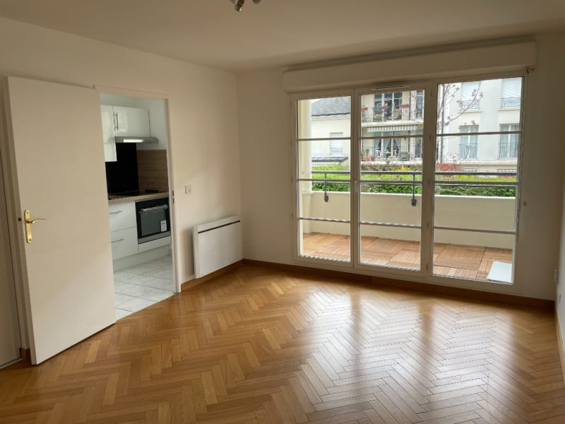 Location appartement Le plessis trevise 850€ CC - Photo 2