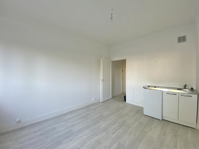 Rental apartment Le vesinet 599€ CC - Picture 2