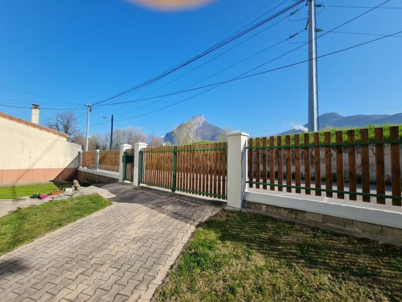 Sale house / villa Fontaine 285000€ - Picture 1