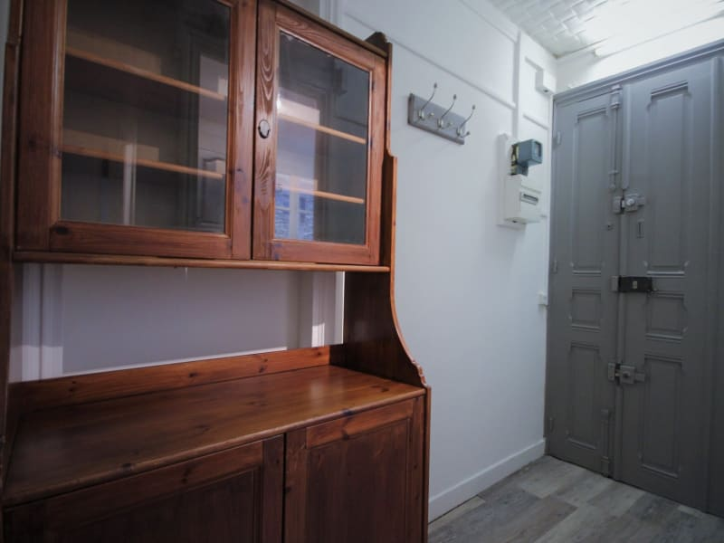 Rental apartment Paris 18ème 880€ CC - Picture 5