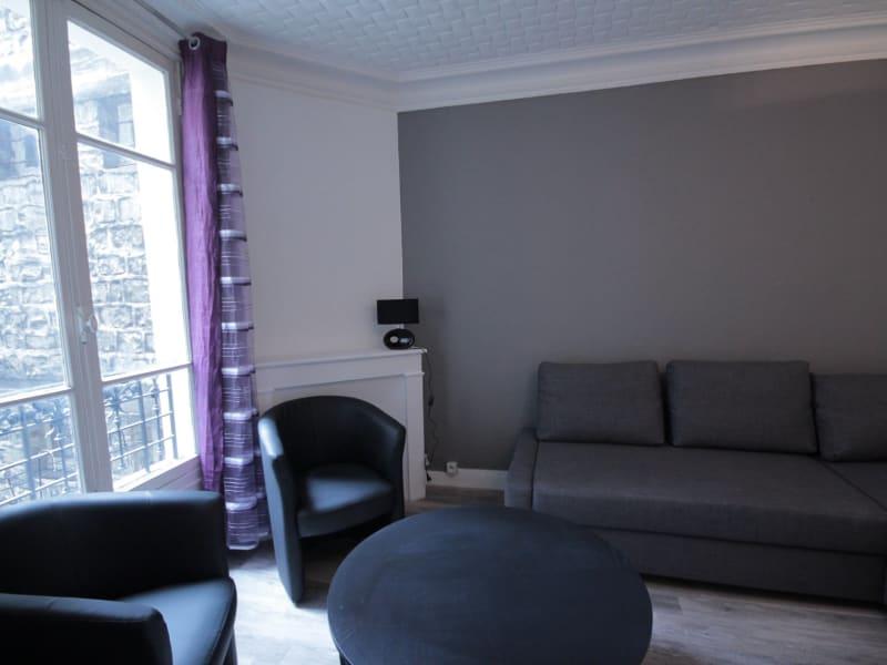 Rental apartment Paris 18ème 880€ CC - Picture 2