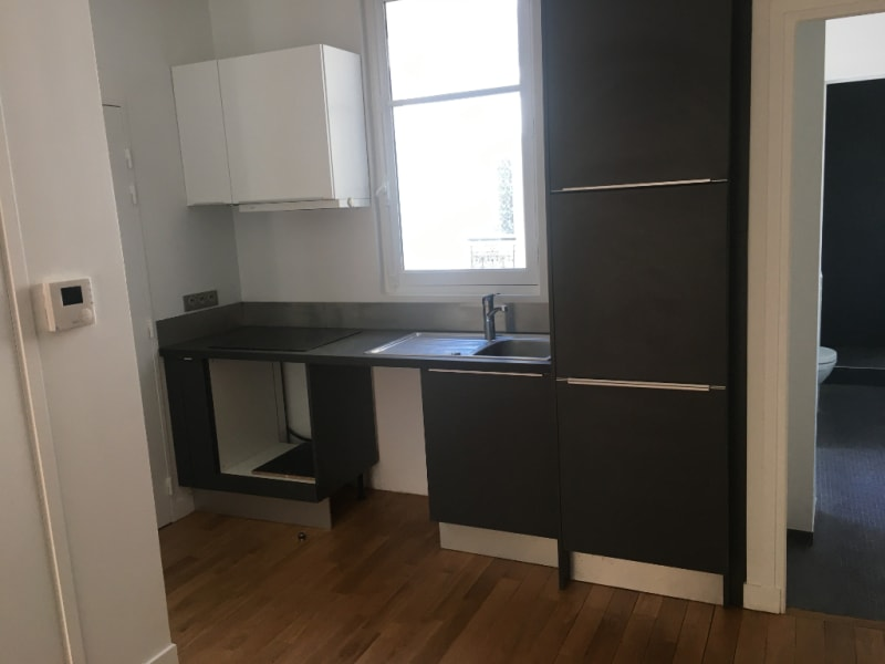 Rental apartment Paris 8ème 1160€ CC - Picture 4