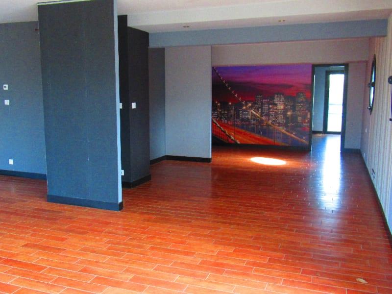 Sale apartment Quimper 407500€ - Picture 3
