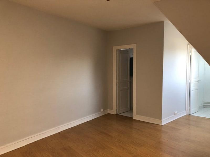 Location appartement Paris 9ème 830,50€ CC - Photo 4