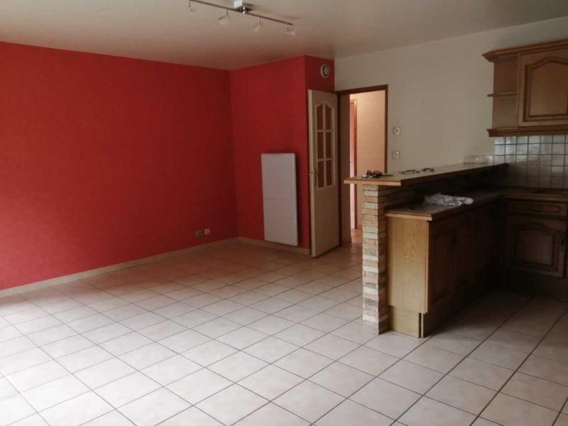 Rental apartment Marnaz 825€ CC - Picture 2
