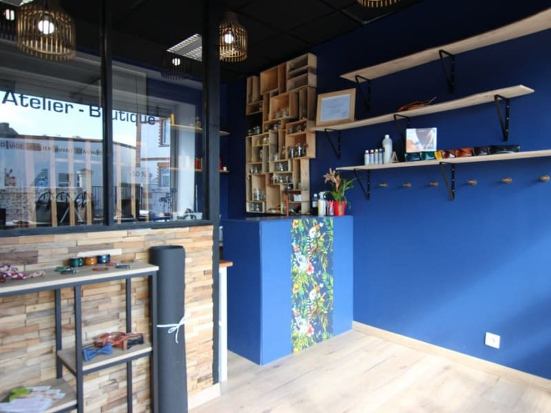 Location local commercial Montbert 400€ HC - Photo 1