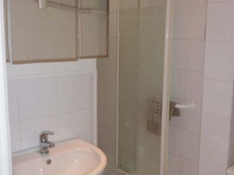Location appartement Paris 18ème 532,92€ CC - Photo 4