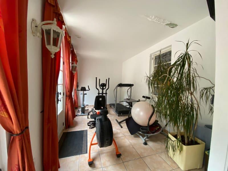 Vente maison / villa St clair sur epte 356600€ - Photo 9