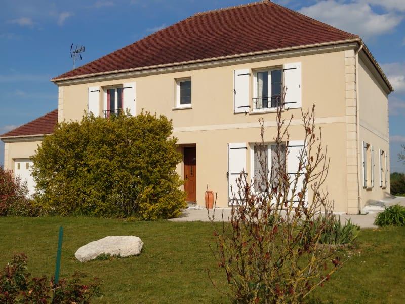 Sale house / villa Chars 399000€ - Picture 2