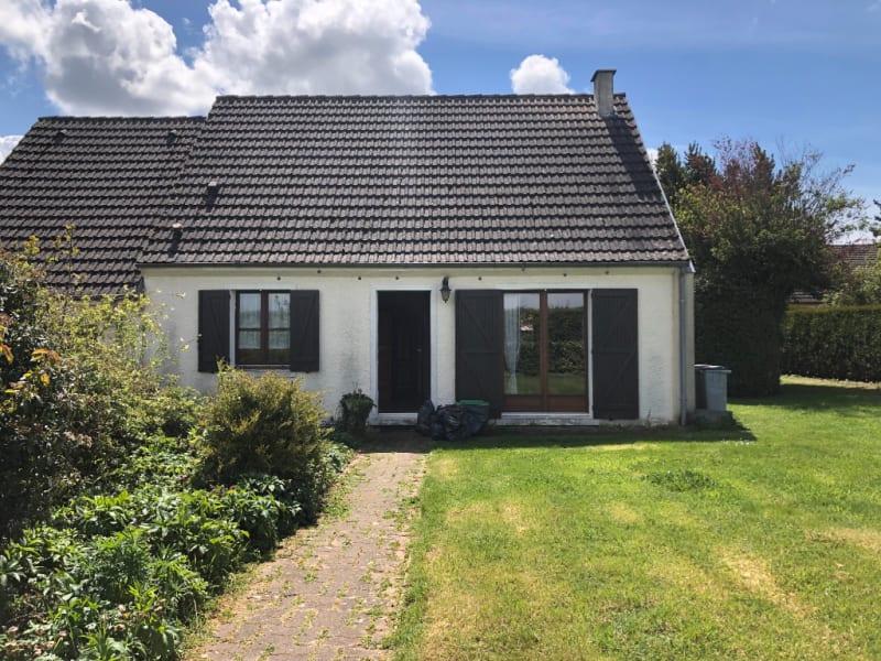 Sale house / villa Monneville 243000€ - Picture 1