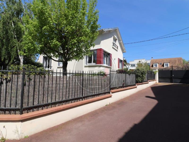 Sale house / villa Chatou 899000€ - Picture 1