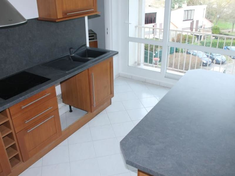 Location appartement Osny 970€ CC - Photo 3