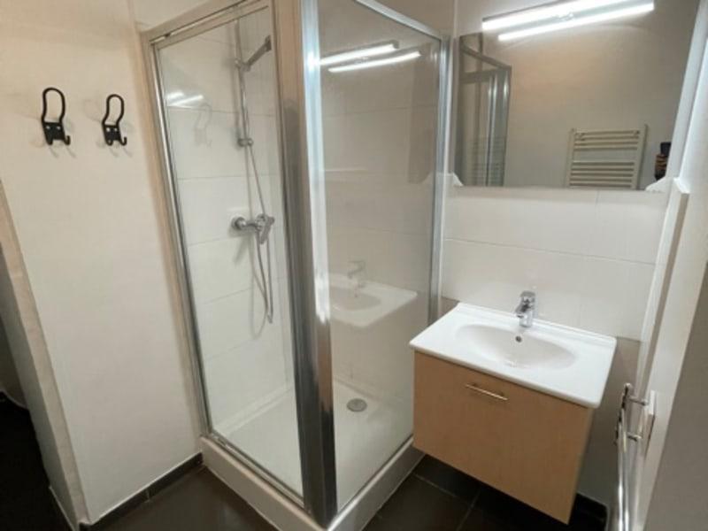 Location appartement Paris 10ème 1206€ CC - Photo 6
