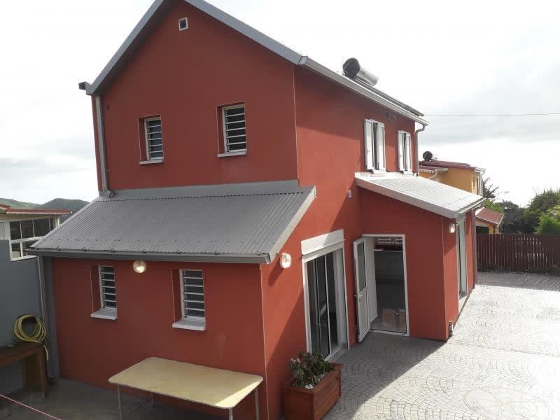 Rental house / villa La possession 1090€ CC - Picture 2