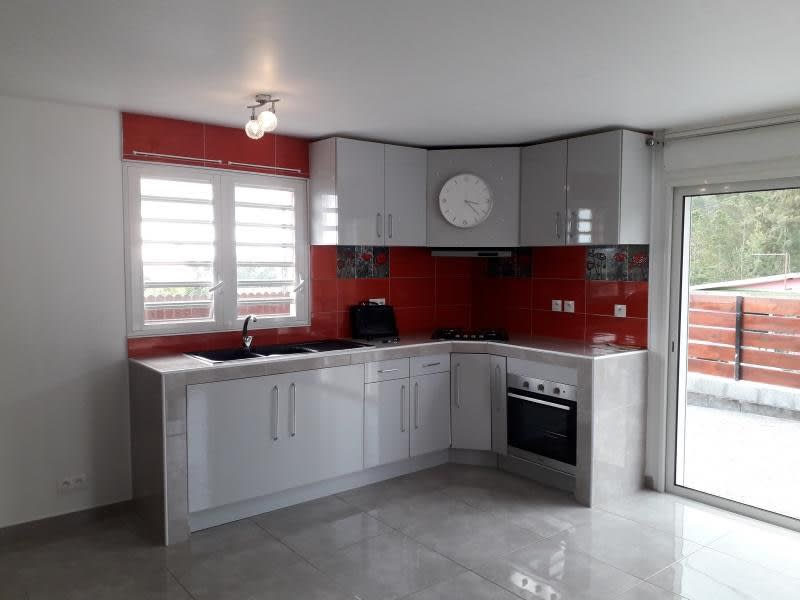 Rental house / villa La possession 1090€ CC - Picture 4