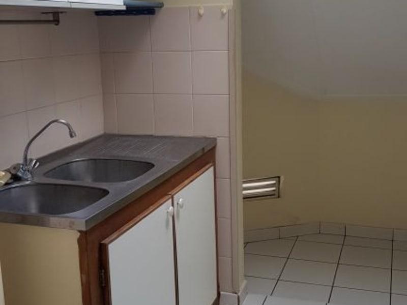 Location appartement St denis 648€ CC - Photo 2