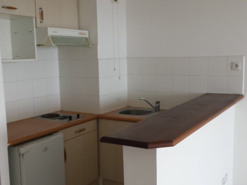 Location appartement St denis 588€ CC - Photo 4
