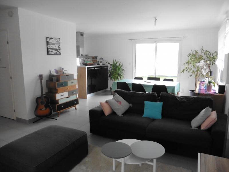 Sale house / villa Lannilis 237000€ - Picture 2