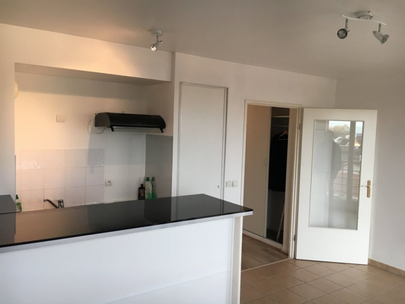 Rental house / villa Livry gargan 882€ CC - Picture 3