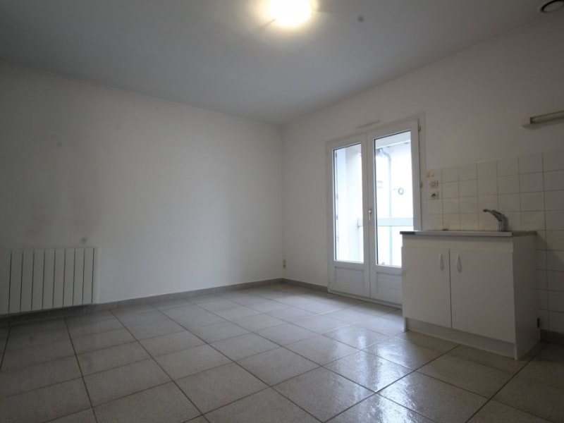 Location appartement Aizenay 399€ CC - Photo 1