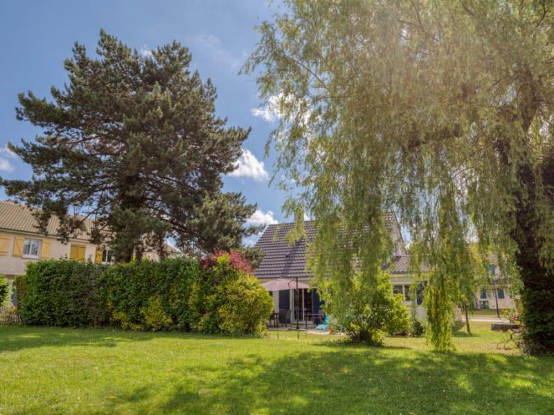 Sale house / villa Le mesnil saint denis 499800€ - Picture 2
