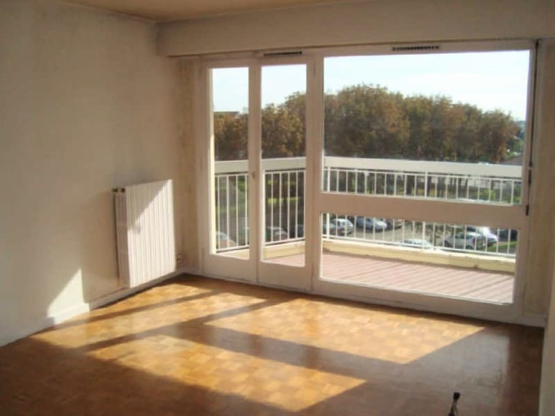 Rental apartment Marly le roi 939€ CC - Picture 2