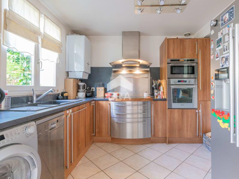Sale house / villa Lesigny 354000€ - Picture 4