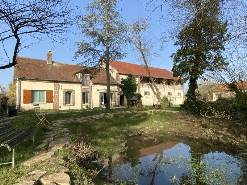 Sale house / villa Charny 373000€ - Picture 1