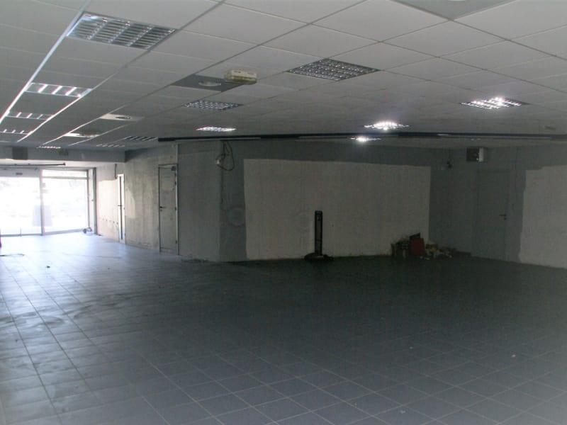 QUIMPERLE Grand local commercial avec appartement 386 m2