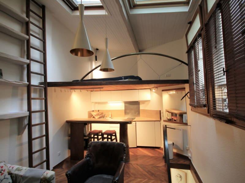 Rental apartment Paris 18ème 1200€ CC - Picture 1