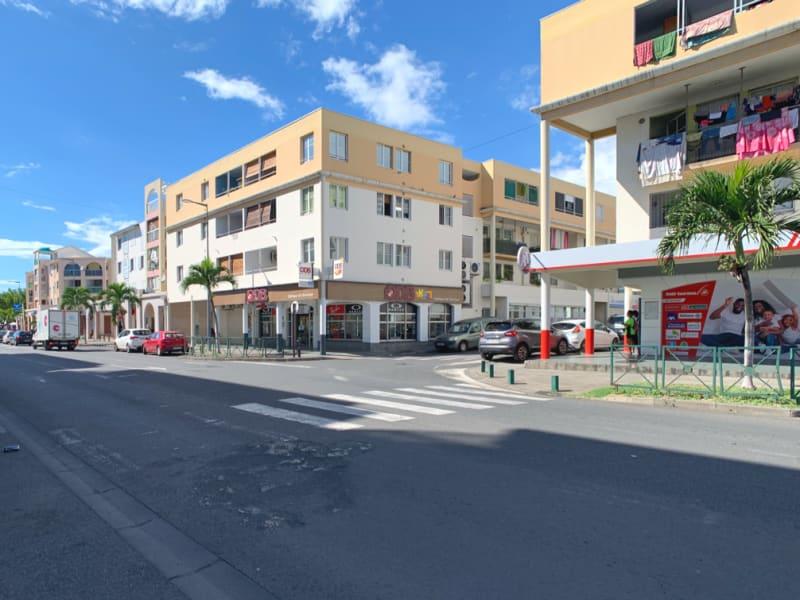 Rental apartment Le port 548,38€ CC - Picture 1