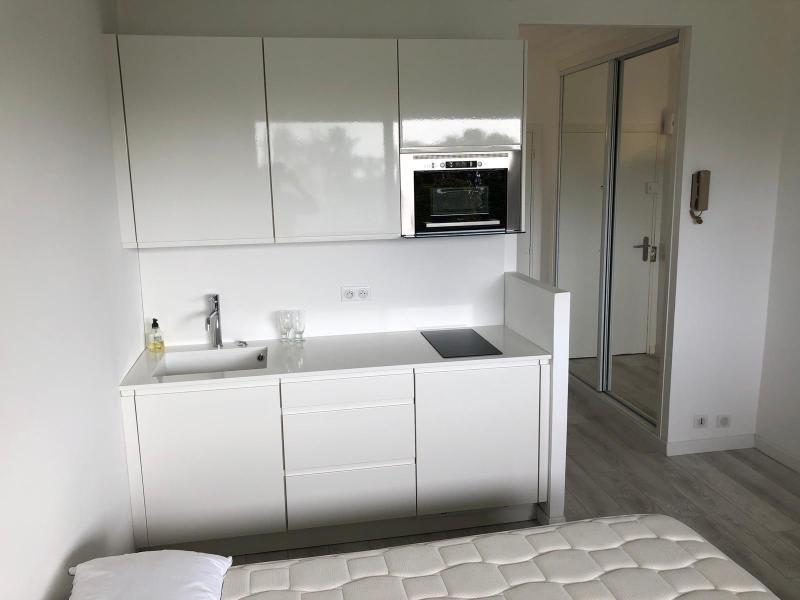 Sale apartment Vallauris 137000€ - Picture 1