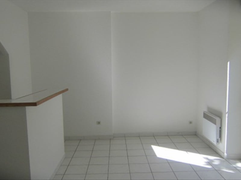 Location appartement Carcassonne 467,09€ CC - Photo 1