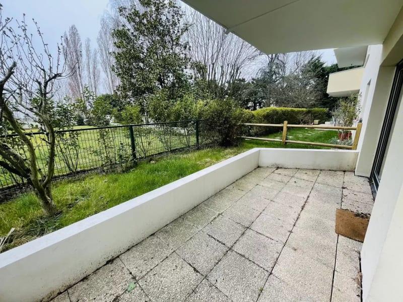 Sale apartment Le raincy 247000€ - Picture 2