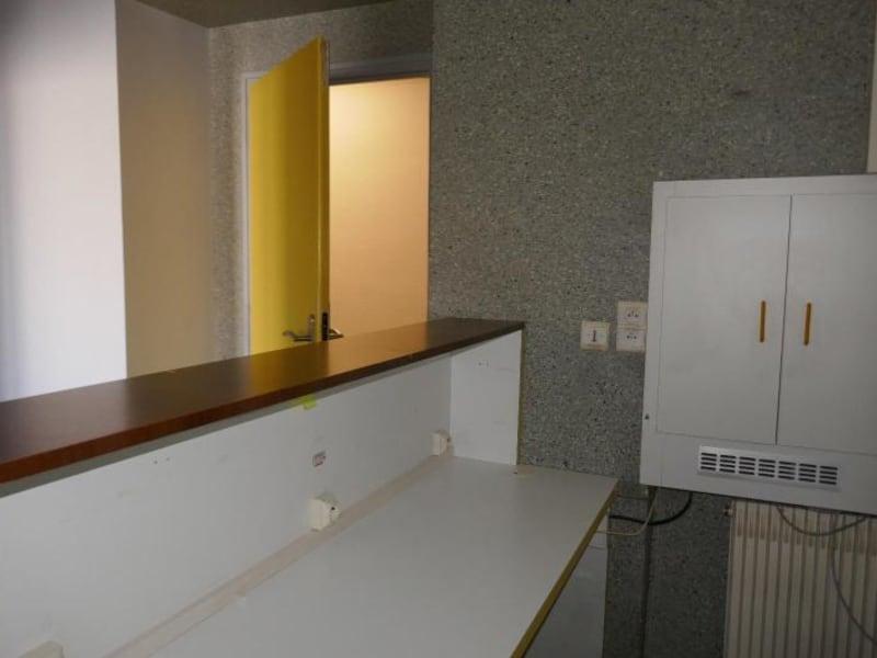 Rental empty room/storage Montreal la cluse 807€ HC - Picture 6