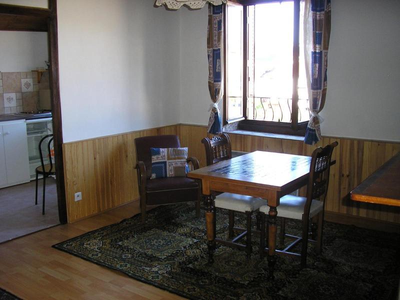 Location appartement Martignat 344€ CC - Photo 2
