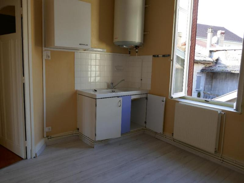 Rental apartment Nantua 429€ CC - Picture 2