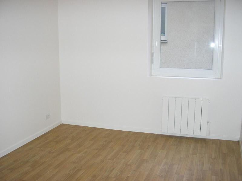 Location appartement Nantua 450€ CC - Photo 3