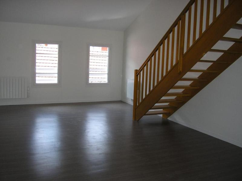 Location appartement Nantua 595€ CC - Photo 1