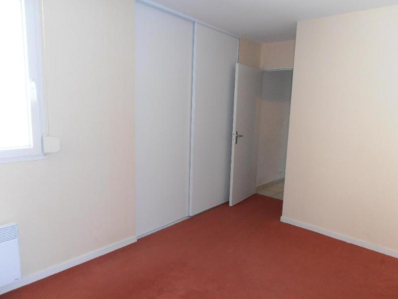 Location appartement Oyonnax 483€ CC - Photo 3