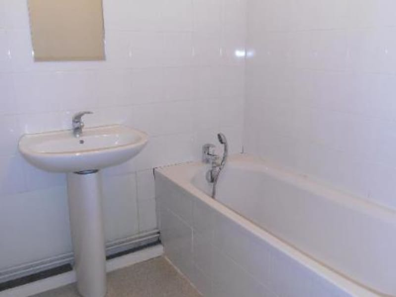 Rental apartment St martin du fresne 645€ CC - Picture 4