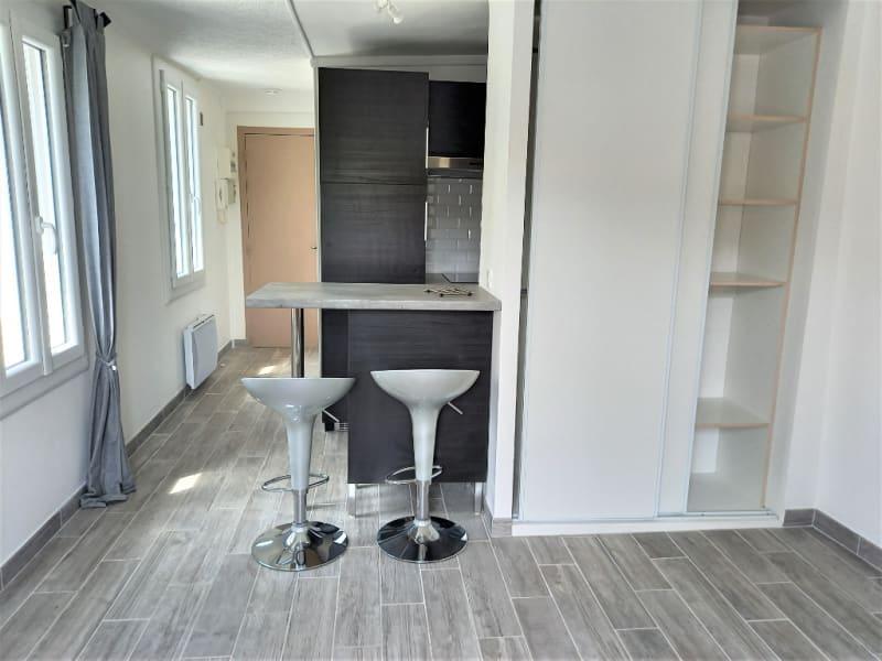Rental apartment Saint germain en laye 714,69€ CC - Picture 1