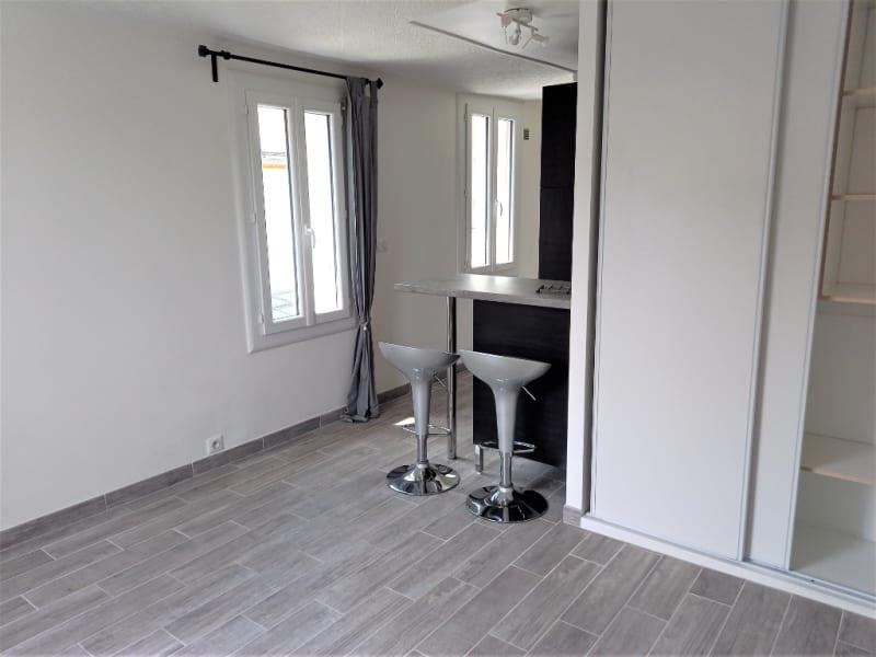 Rental apartment Saint germain en laye 714,69€ CC - Picture 3