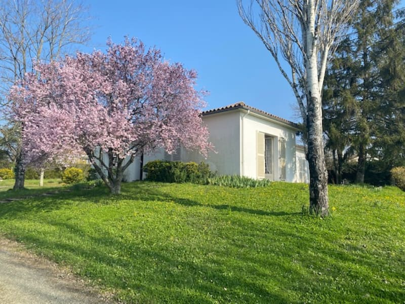 Vente maison / villa Fontenay le comte 200400€ - Photo 3