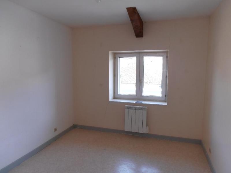 Rental apartment St martin du fresne 369€ CC - Picture 3