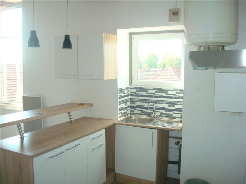 Rental apartment Imphy 420€ CC - Picture 1