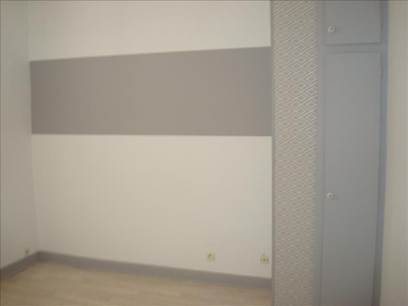 Rental apartment Imphy 420€ CC - Picture 2